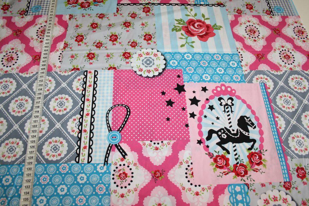 renee-d.de Onlineshop: Baumwollstoff Nostalgisch Pferde pink blau grau
