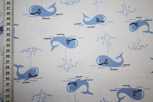 renee-d.de Onlineshop: Michael Miller Baumwollstoff  blau mit Walen