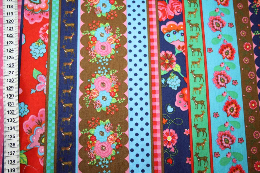 renee-d.de Onlineshop: Stenzo Baumwollstoff Muster Reihe Blumen Rehe