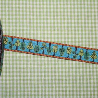 Artikel aus dem renee-d.de Onlineshop: Farbenmix Webband mit Bäumen Treehugger