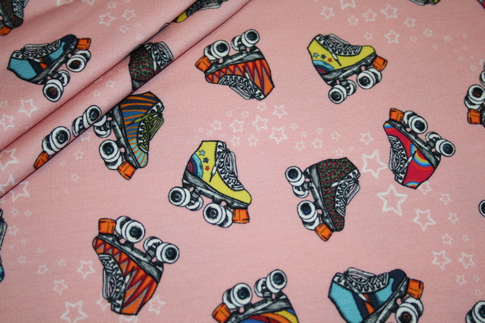 Sweatshirt Stoff by Lila Lotta Retro Skates koralle