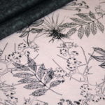 Alpenfleece Happyfleece Sweatshirt Stoff altrosa Blätter Bäume