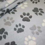Weicher Wellness Zottel Fleece Stoff Hunde Pfoten blau grau