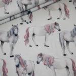 Digitaldruck Jersey Stoff Pferde weiß rosa